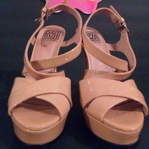 Pour la Victoire Nude strappy heels